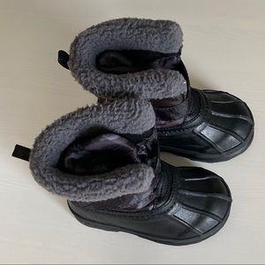 Gap Toddler Snow Boots Size 5T/6T